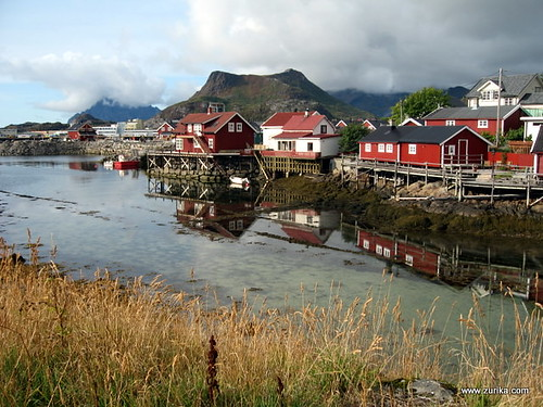 Port of Leknes (Lofoten Islands) Ship Tracker / Tracking Map Live ...