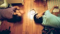你聽見了甚麼 (Kerb 汪) Tags: film home room ali ear persons kendra kerb aps happytime ★ 廣角 時代沖印 fujifilmtiaraix1010 kerbwang
