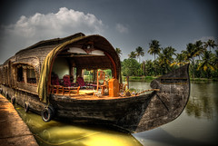 Indian House Boat (Dido) Tags: india house nature water boat canal nikon cloudy houseboat kerala d200 hdr karela tibi nikond200 iyad iyadtibi nerdiology