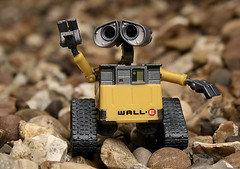 Wall - e need help ! (Hussain Naqi) Tags: uk summer favorite cute london love film home me digital canon garden movie eos rebel europe alone photographer disneyland united kingdom disney help animated kuwait goodbye milton keynes acmilan 2008 kw q8 hussain walle naqi kuw xti 400d aplusphoto q8mini