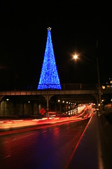 Blue Christmas Tree Sculpture, Yonge and Summerhill, Toronto (Tony Lea) Tags: christmas longexposure blue red toronto ontario canada tree night stream traffic streak noel christmaslights timeexposure midtown yonge soe deerpark yuletide rosedale summerhill northtoronto anawesomeshot dreamscapsoftoronto