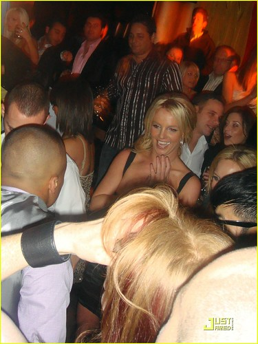 britney-spears-27th-birthday-ten-june-14