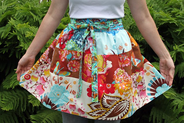 Free Pattern Feature: Aprons