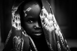 Lendu girl in Aveba health center  - DR CONGO -