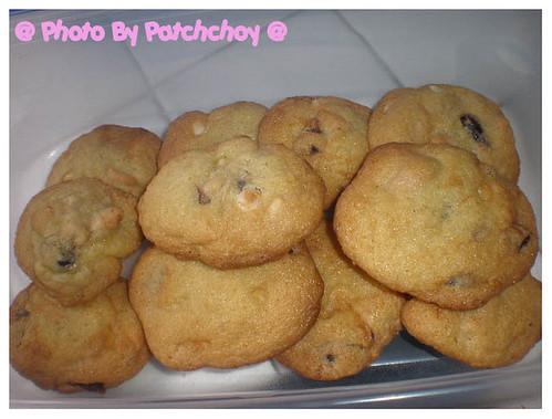 white choc cookie1