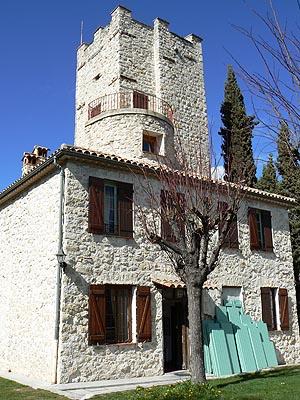 château médiéval de Tourette.jpg