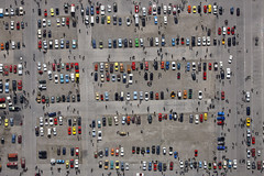 Oldtimer exhibition (Aerial Photography) Tags: auto people car by germany munich mnchen bavaria classiccar vintagecar aerial m oldtimer luftbild luftaufnahme theresienwiese obb oberwiesenfeld historicalcar 13042008 1ds02139