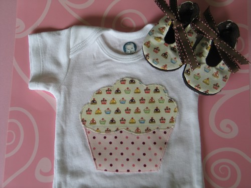 Love the Cupcake Onesie Set