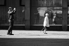 duality (vauka) Tags: life street city bw woman white man black lady photographer shot streetphotography duality bremen 32 0452 monochromia