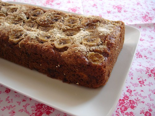 Banana, chocolate and oatmeal tea bread