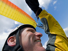 This is how free flying makes me feel.. (DryRot) Tags: england peakdistrict transport wideangle olympus paragliding soaring advance thermal e330 alpha3 zd freeflight rushup 3000ft esystem 714mm top20paragliding bryanhindle