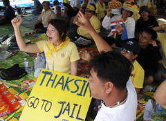 Thaksin go to Jail