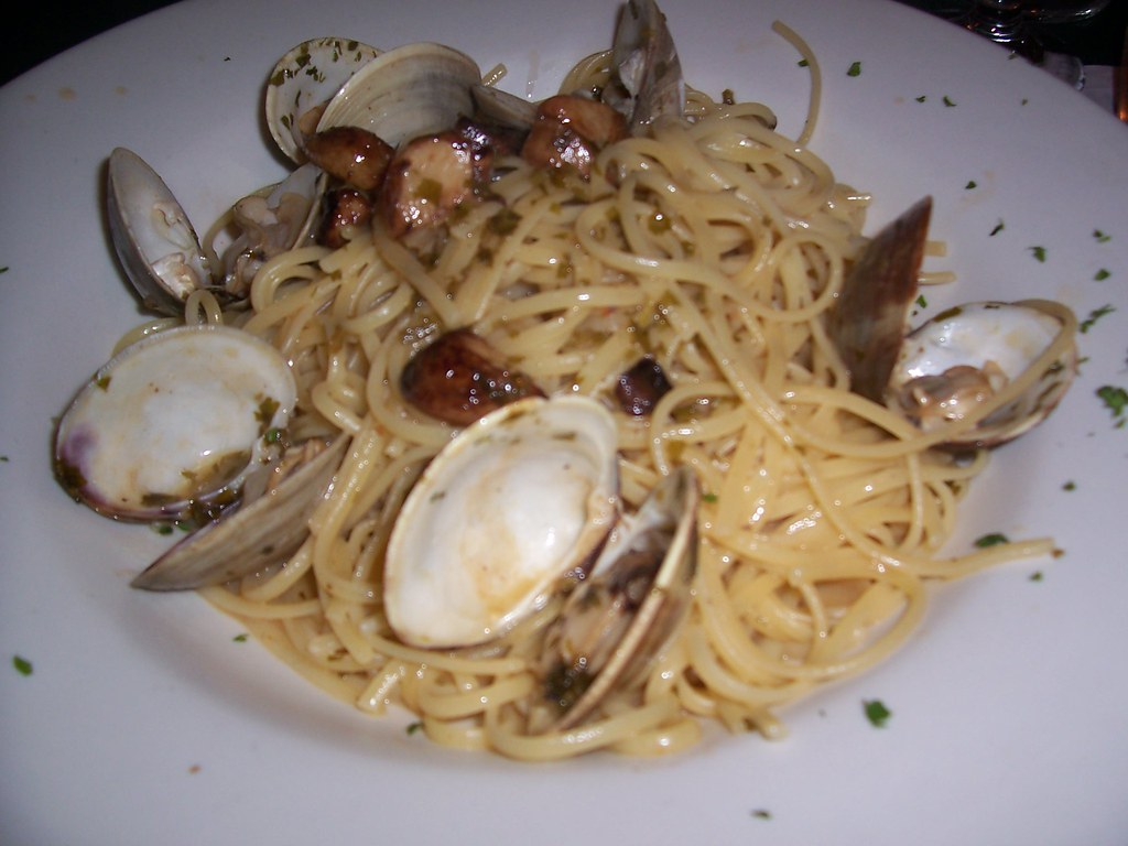 Linguine w clams at Carlos