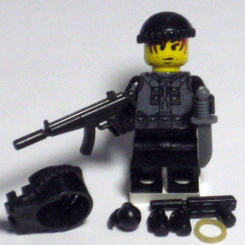 submachine gun abr 005. Weapon(s) of choice:Suppressed MP5 Submachine Gun,