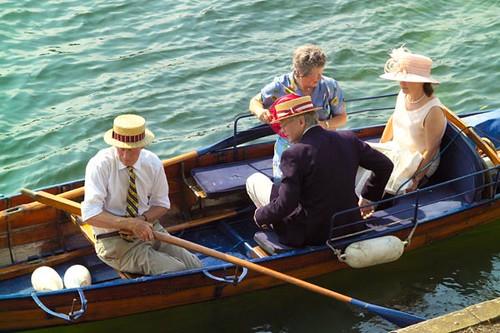 spectators_afloat2_m