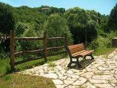 Sany0010 (alfiererosso) Tags: verde green nature fence bench natura campagna greenery panchina vegetazione steccato grun countryland nicespot luogoameno