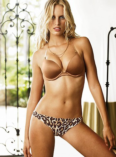 Karolina Kurkova - Victoria's; Secret online catalogue photo 2