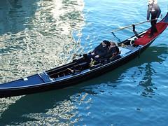 Venice gondolier, 2004 (scott.ambrosino) Tags: venice italy gondolier scottambrosino