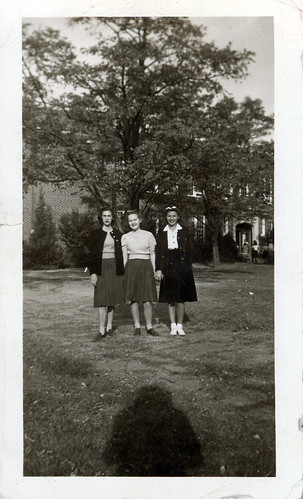 three girls on campus