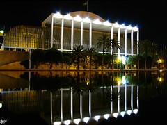 Palau de la msica (PLAYGUITAR) Tags: espaa naturaleza luz nature valencia rio luces noche spain musica nocturna cultura nigth turia palaudelamusica aplusphoto palaciodelamusica oletusfotos