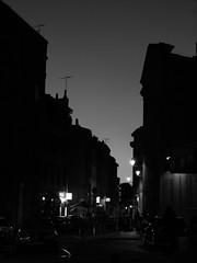 Toulouse by night (Iris Syzlack) Tags: light blackandwhite white black france night noir lumire toulouse nuit blanc blancetnoir