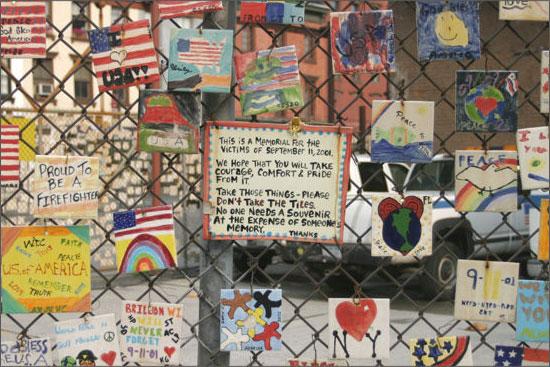 Messages spontanés autour du site des tours jumelles après le 11/09/01