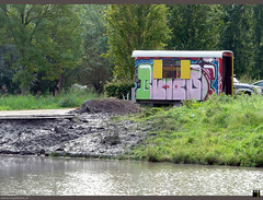 NL/Anything/Stall (oopsfotos.nl) Tags: holland color water netherlands colors workers paint mud painted thenetherlands bank stall brush colored r1 paintbrush oop dredge dredging nieuwegein galecop watermanagement