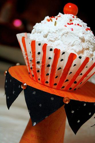 cute cd cupcake stand