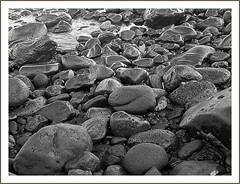 Temporal (Olga Díez  (Caliope)) Tags: españa costa naturaleza nature mar seaside spain stones pebbles caos tenerife mineral canaryislands temporal piedras islascanarias labellezadelcaos menosdaunapiedra