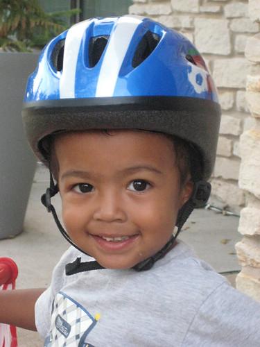 akellos new helmet