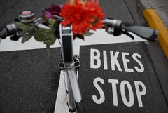 bike stop markings at broadway flint-2.jpg