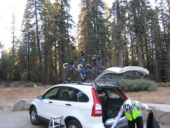 Tuolumne Grove Parking Lot (6200ft/1860m)
