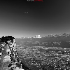 Riding high in the sky (Julien Ratel ( Jll Jnsson )) Tags: city sky people bw cliff mountain monochrome montagne grenoble plane canon landscape high noir altitude aeroplane nb tokina ciel valley hugs bjrk bec glider nuages paysage falaise blanc ville bluff avion haut valle planeur bisous bwdreams 1224f4 passionphotography 40d fortsainteynard infinestyle theunforgettablepictures julienratel julienratelphotography carrfranais ridinghighinthesky specialkiss envolesauvage