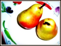 Pear Bowly (lsdinaz) Tags: stilllife orange yellow pears picnik