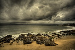 Mar, Cielo y Gaviotas (P. Medina) Tags: sea sky costa beach water clouds landscape mar rocks waves gulls playa paisagem galicia cielo paysage landschaft gaviotas paesaggio rocas piedras landskap cloudyskies baroa burela canoneos400d aplusphoto tecendoredes pmedina  satones