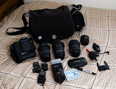 Weapons of Choice (-spam-) Tags: camera canon 50mm ipod sigma gear australia gas equipment crumpler sharpie bundle 1020 whatisinyourbag lenses 30mm 2460 430ex 6milliondollarhome 40d 6mdh thisiswhatisinmybag largebundle whatisinyourcamerabag