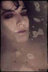 Come Ofelia... (pulciografa) Tags: selfportrait self tears autoritratto cry ofelia lacrime piangere