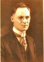 College Grad Detroit pince-nez c 1918 (pince_nez2008) Tags: portrait nose glasses handsome graduate collar eyeglasses eyewear pincenez noseclip