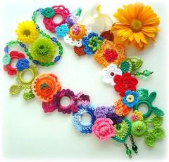 Pastora (Lidia Luz) Tags: flower necklace leaf handmade crochet flor jewelry felt bijoux bijuteria feltro folha colar bijouteria croch lidialuz