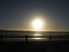 Blouberg Sunset (fuelspin) Tags: orange sun boat waves gorgeous windy son capetown skip tilt shining freight blouberg kaap branders sononder skepe golwe
