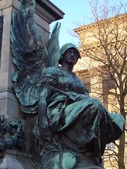 Gladstone Statue detail 1