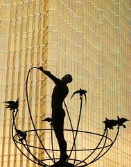 Royal Bank Toronto Golden Art (swisscan) Tags: city toronto canada art window glass silhouette statue skyscraper gold royal bank soe abigfave flickrduel artlibre platinumphoto anawesomeshot favemegroup3 diamondclassphotographer theunforgettablepictures thegardenofzen thegoldendreams world100f