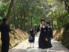 Schoolgirls (individual8) Tags: japan may nara 2008 schoolgirls pupils