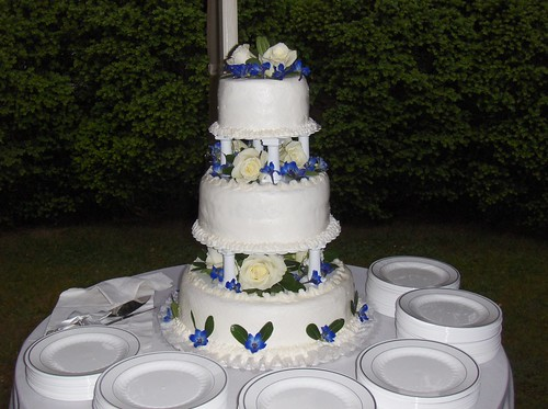 most righteous wedding cake of aunt barbara