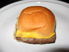 White Castle: Cheeseburger (close up)