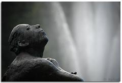 adorer (=Я|Rod=) Tags: sculpture fountain monochrome iso100 dof skulptur textures bremen f56 adore musing bürgerpark fontäne 1125s challengeyouwinner 23ev abigfave nikond80 nikon70300vr infinestyle withoutcolors theperfectphotographer goldstaraward qualitypixels 220330mm anhimmeln ©rerod я|r ©reinerrodekohr