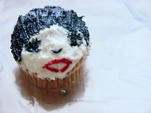 Liza Minnelli Cupcake!