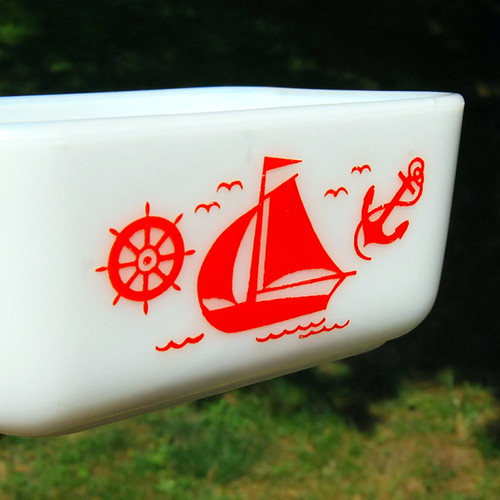 McKee Red Ships refrigerator dish
