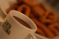 Chocolate con churros en casa