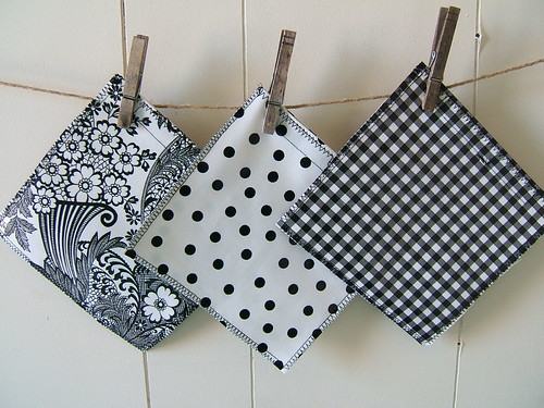 black and white sandwich bags